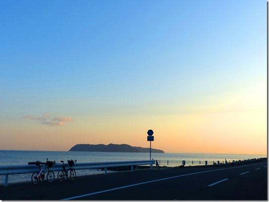 沼島と夕焼け