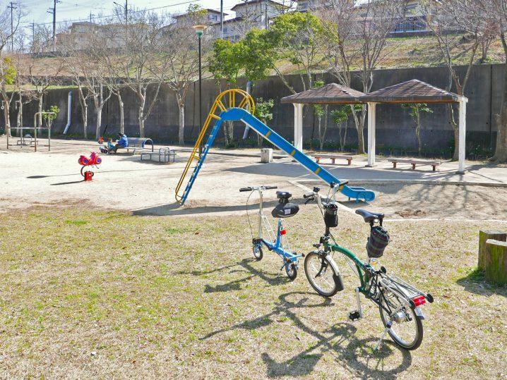 公園と折り畳みミニベロ(つつじヶ丘公園)のポタリングの様子2